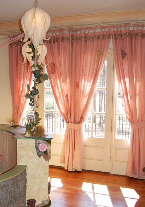 Girl-room-with-pink-color