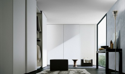 white lacquer modern and stylish Italian walk-in wardrobes design