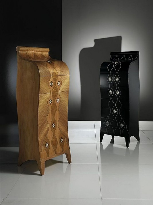Beautiful and elegant wood chest of drawers design by Carpanelli