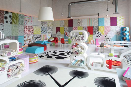 Colorful showroom interior concept by lars contzen home for Colorful concepts interior design