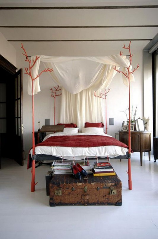 creative and unique canopy bed design