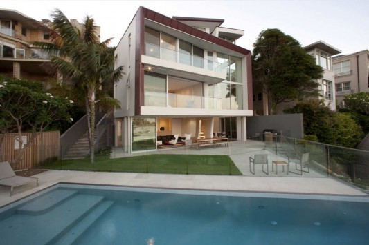 Point Piper House by POPOVbass Architects front exterior