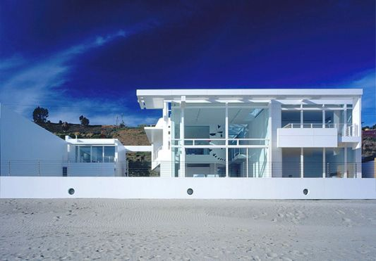White beach house design california by richard meier for California beach house plans