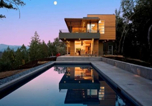 beautiful informal cottage with swimmingpool