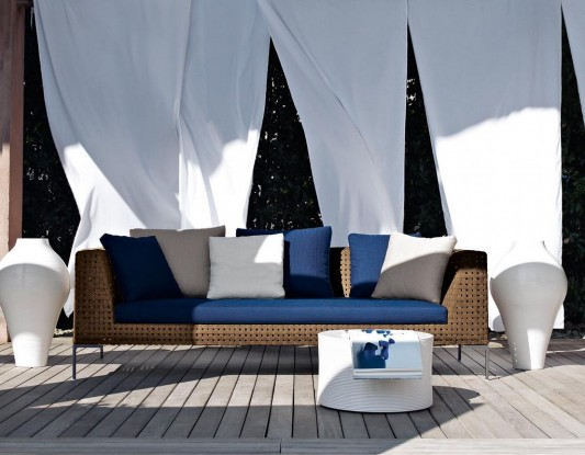 comfortable and stylish modern outdoor sofa design