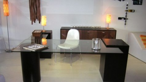 Charmant Glass Top Office Desk