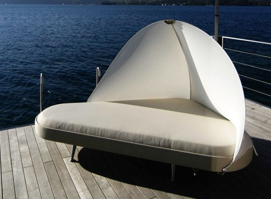 lounge bed with water repellent and UV resistant fabric