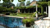modern farmhouse lanscape swimmingpool